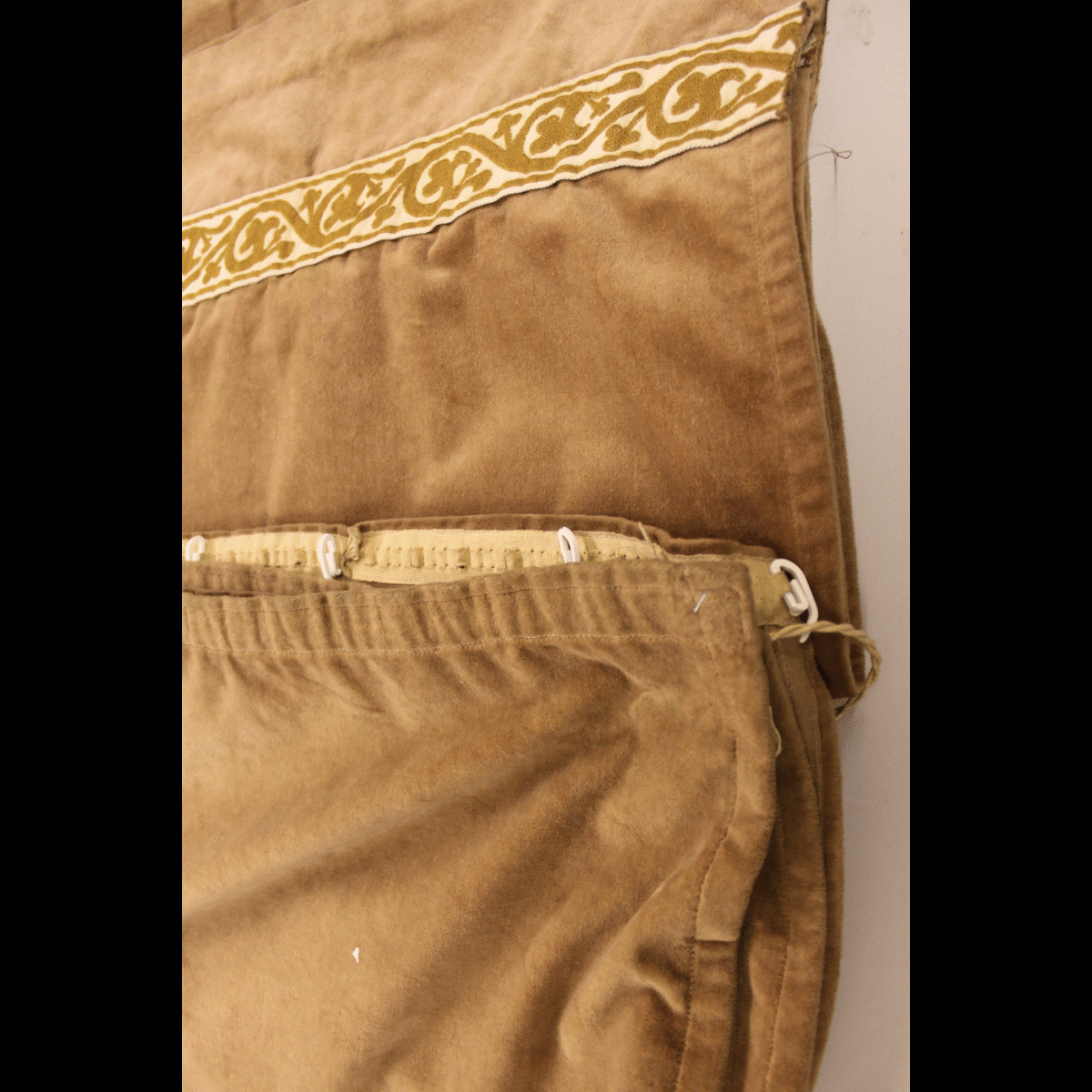 0040017 75 beige brown velvet curtains x1 pair 116cm for Brown curtains png